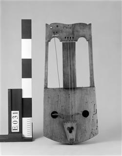 Reconstitution de crwth | Auguste Tolbecque
