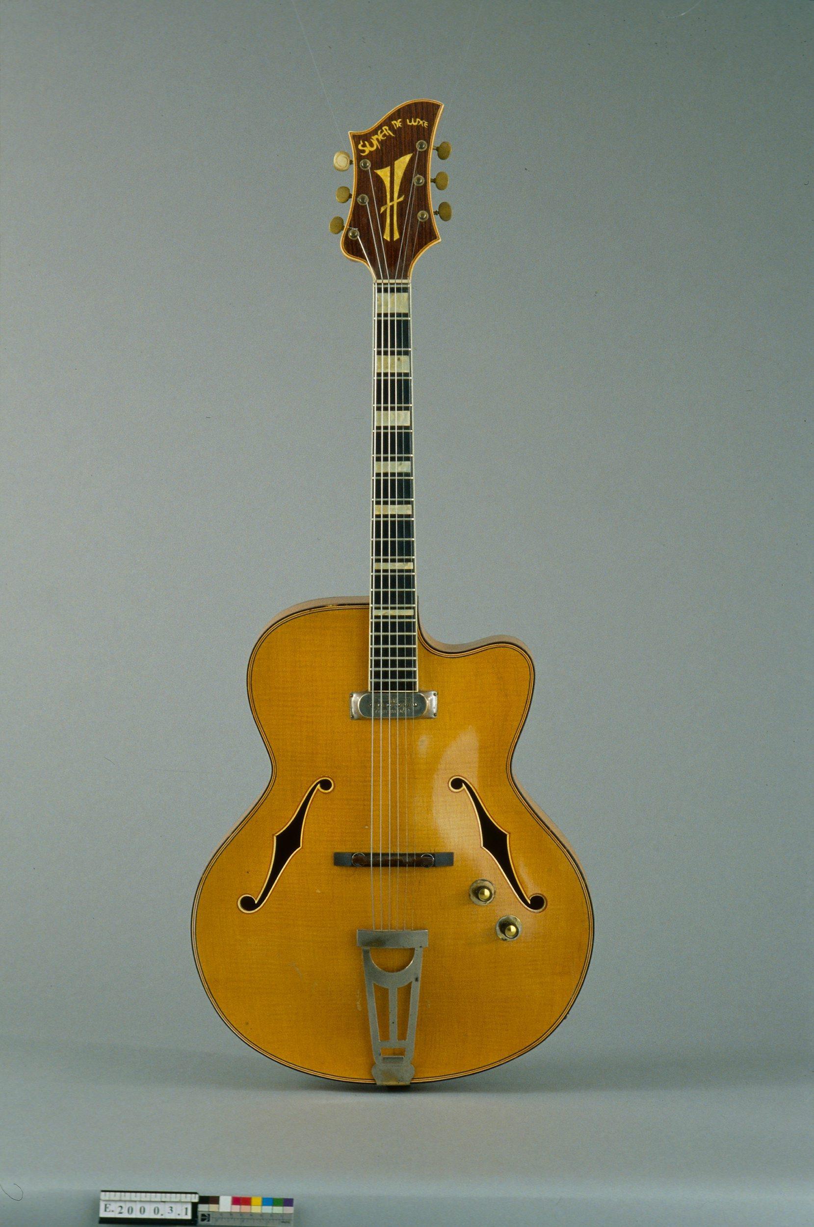 Guitare électrique modèle Super De Luxe | Jacobacci Frères