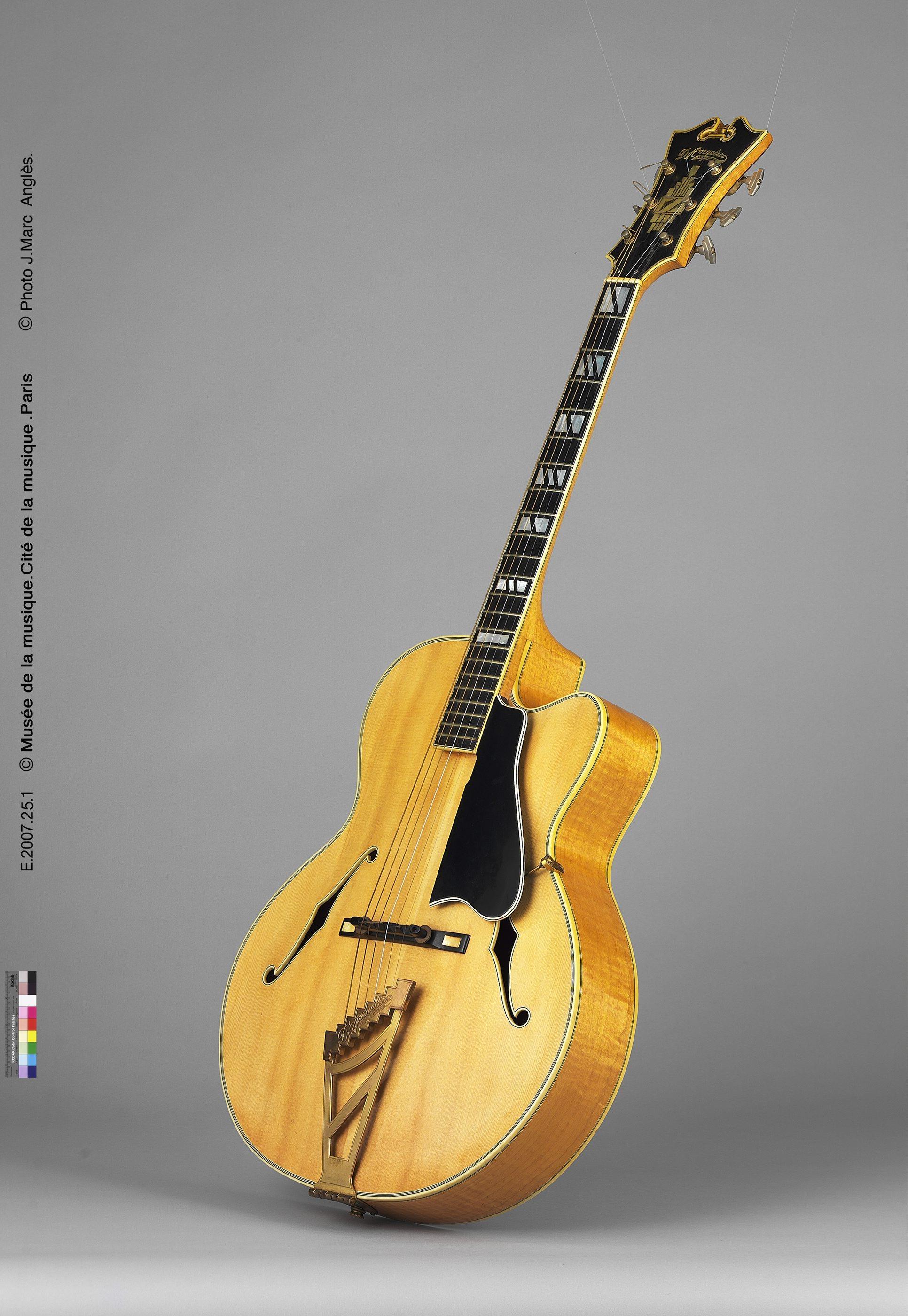Guitare acoustique modèle Excel cutaway   John d' Angelico